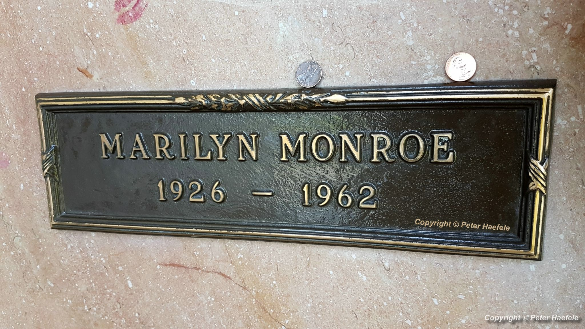 Roadtrip USA - Westwood Village Memorial Park Cemetery - Grave of Marilyn Monroe