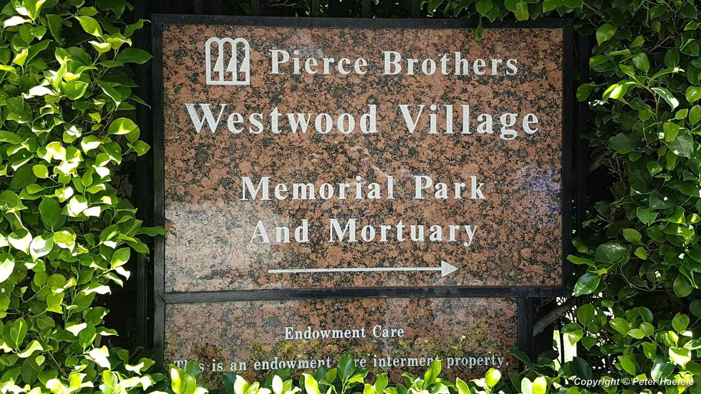 Pierce Brothers Westwood Village Memorial Park - © Peter Haefele Fotografie